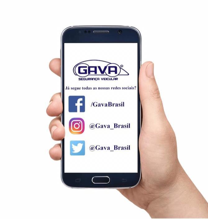 Redes Sociais GAVA celular na mão 02